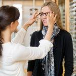 Specialistični okulistični pregledi za otroke odpravijo očesne napake